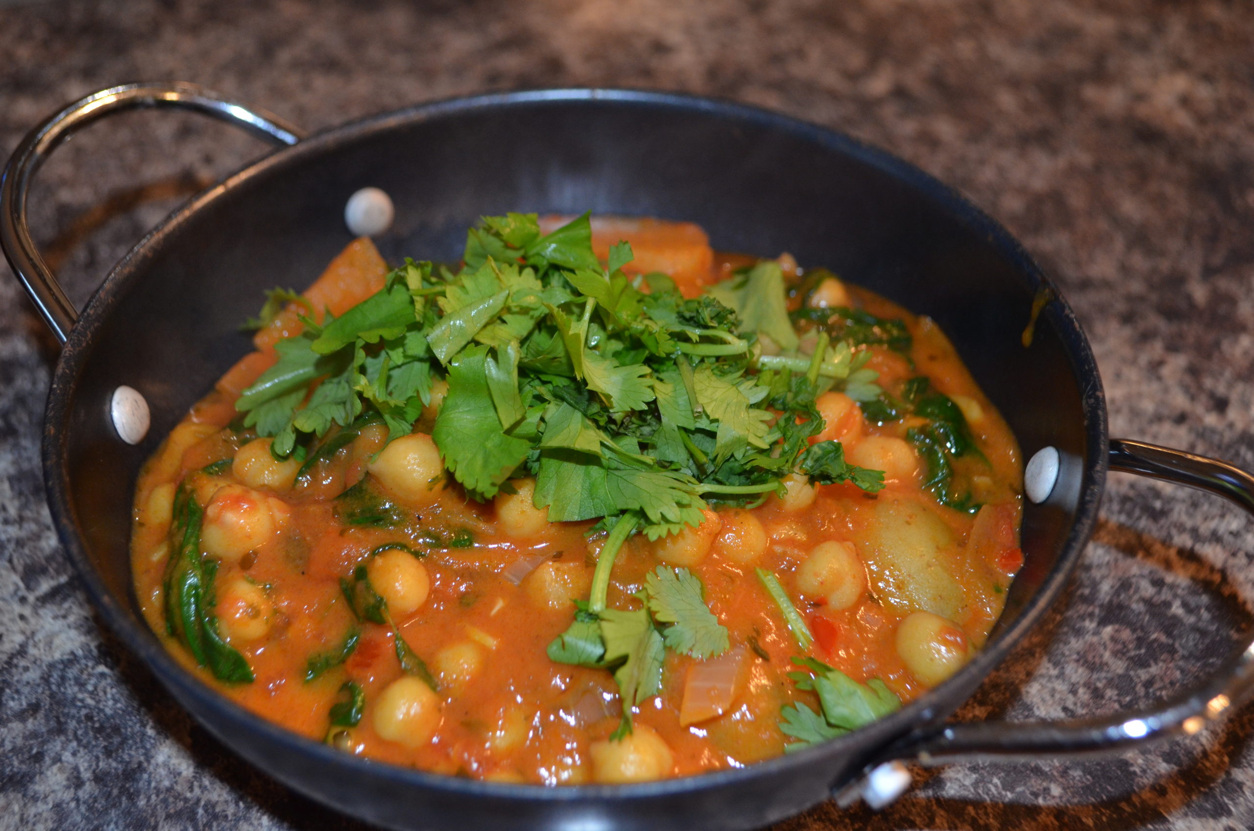 Canned chickpeas curry